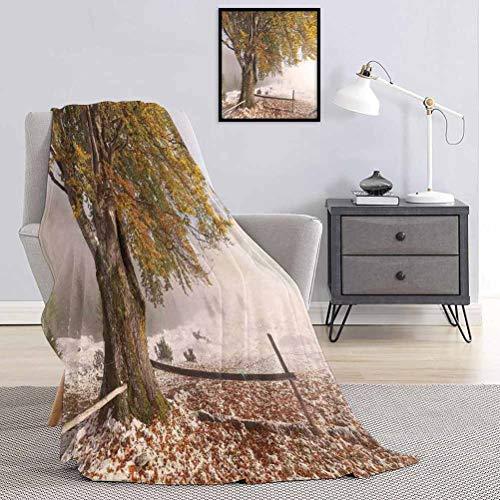 Toopeek Leaves Couverture de qualité spéciale Bouleaux d'un grand arbre dans la première automne de la neige Décembre Pays Blizzard La Reine des Neiges Nature Multi usage pour canapés, etc. 70 x 70 cm