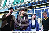 Blur - The Dublin Castle - Camden 1995 PAPER POSTER - Measures 36 x 24 Inches ( 91.5 x 61 cm ) approx. Comes to you rolled up and sealed in a strong protective postal tube. Posters UK, quality at affordable prices Frames for this POSTER available in ...