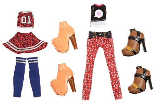Bratz Deluxe Fashion Pack #3: Cloe and Sasha
