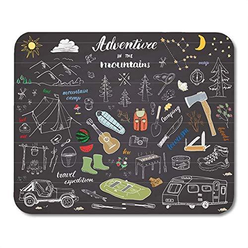 Mauspads Camping Wandern Skizze Doodle Mountains Zelt Floß Grill und Lagerfeuer Axt Messer Kiefern Tourist Food Mousepad für Laptop, Desktop-Computer Büromaterial Mausmatten