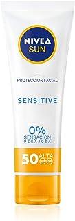 NIVEA SUN Sensitive Protección Facial FP 50 (1 x 50 ml) protector solar facial para piel sensible crema sin perfume con ...