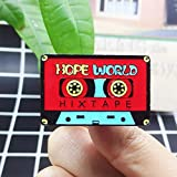 ZSCZQ Cassette de Audio Rojo Broche de Esmalte de Metal Moda Retro Hope World Tape Insignia Pin Ropa de Moda clásica Mochila Regalo de joyería