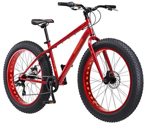 Mongoose Aztec אופני צמיגים לגברים ונשים, מסגרת פלדה 18 אינץ ', גלגלים 26 אינץ', צמיגי נובי 4 אינץ ', אדום