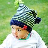 MyOma Strickpaket Kinder- Kindermütze Frechdachs- Kindersachen Stricken- Strickset Kinder mütze mit 2 Bommeln- Merino Mix Wolle + verständliche Strickanleitung Bamboo Nadelspiele (4/3,5 mm)