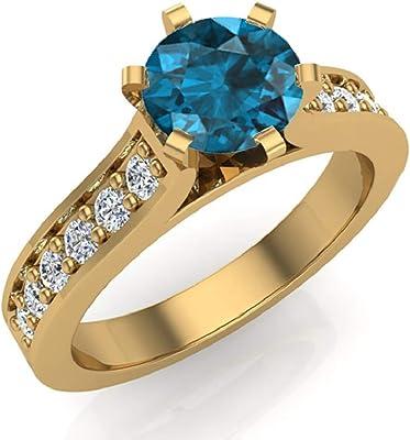 anillo de oro amarillo con un diamante azul central y 12 blancos
