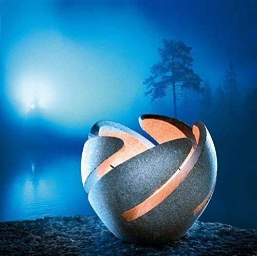 Linterna de Piedra Tulikukka