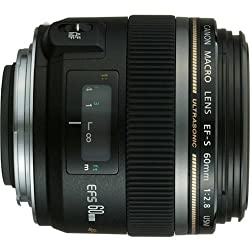 small Canon EF-S 60mm f / 2.8 Macro USM fixed lens, for Canon DSLR cameras