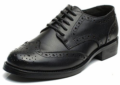 Las mujeres perforaron Wingtip Leather Oxfords