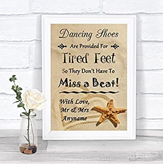 Letrero de boda personalizado con diseño de zapatos de playa y arena, Small Foam Mounted Print