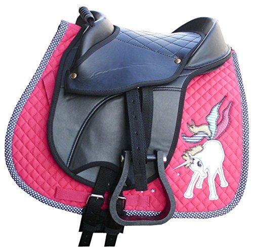 AMKA Shetty Reitkissen Marina komplettes Set mit Schabracke Unicorn in pink mit Einhorn, Riemen, Steigbügel und Sattelgurt auch für Holzpferde geeignet Die Lieferung der Steigbügel kann variieren!