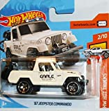 Hot~Wheels Camión de camión Jeep Commando de 1967 con modelo de moto, 1:64, color blanco