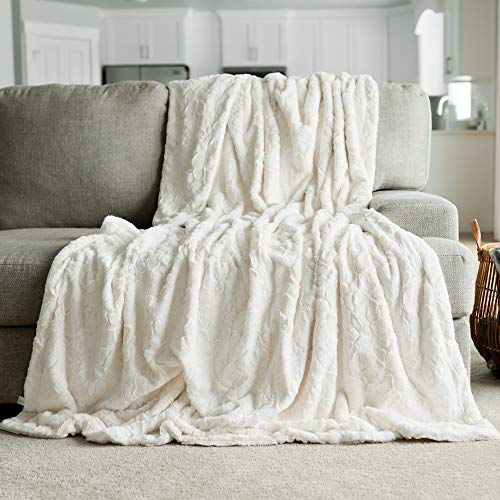 Softest Warm Elegant Cozy Faux Fur Home Throw Blanket by Graced Soft Luxuries (Solid Ivory, Extra Large 60' x 80')