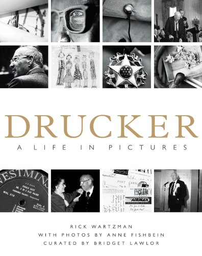 Drucker: A Life in Pictures (English Edition)