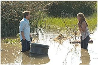 Dexter (TV Series 2006 - 2016) 8 Inch x 10 Inch Photograph Michael C. Hall Standing in Knee Deep Water w/Julia Stiles kn