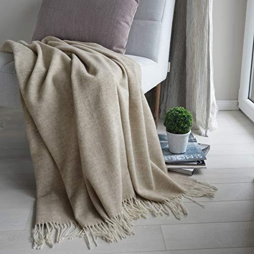 Linen & Cotton Klassische Decke Wolldecke Merino Wolle Wohndecke Kuscheldecke STONEWOLD mit Fischgrätenmuster -100% Merinowolle, Hellbraun (140 x 200 cm), Sofadecke Tagesdecke Überwurf Plaid Sofa