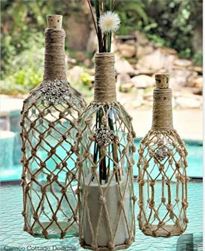Un hermoso jarrón decorativo de yute pintado a mano para decoración del hogar/sala de estar o se puede utilizar como maceta. Material: cristal, juego de 3 botellas. Tela: yute.