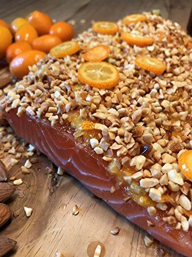 Graved Lachs mit Blut-Orangen-Cointreau, gerösteten Mandeln und Kumquats 1.1 kg ✔ Mit frischen Kräutern und Bio Zitrusfrüchen in eigener Manufaktur hergestellt