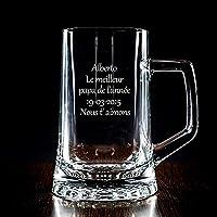 Chope à bière personnalisée avec la gravure que vous souhaitez: nom, pseudo, date, dédicace ... Un succès garanti, que ce soit à l'occasion de l'anniversaire d'un ami, de Noël, de la fête des pères ... Chope en verre d'une contenance de 510 ml livré ...