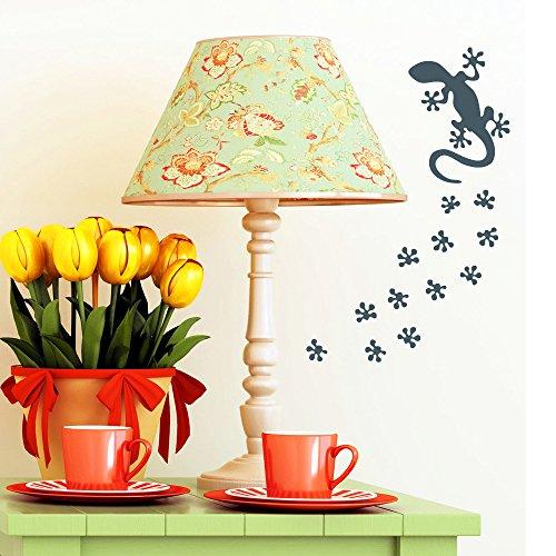 """Wandtattoo Loft """"Gecko mit Tierspuren – Dekoration"""" - Wandtattoo / 49 Farben / 4 Größen / hellgrau / 10 x 24 cm"""