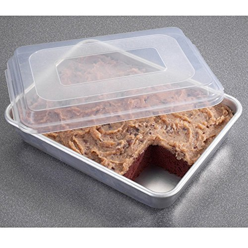 Nordic Ware 46603 9  X 13  Cake Pan With Lid