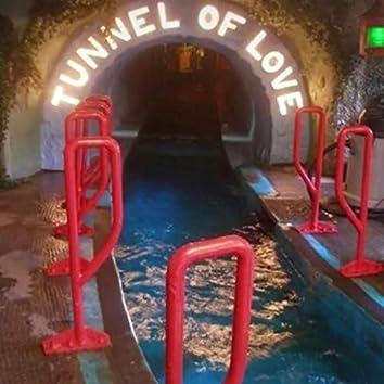 Tunnel of Love (feat. Forrest Bones, Itzdxr)