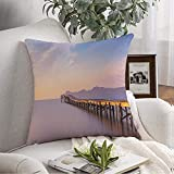 Funda de fundas de almohada Acogedor muelle de madera ubicado en Playa Harbour Sunrise Reflejando High Alcudia De Nature Holidays Landscape Throw Pillow Cojín Funda para sofá Sofá Decoración del hoga