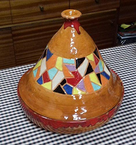 Tajin , Para cocinar al estilo Árabe. Hecho y esmatado a mano. Decorado al estilo de Gaudi, Trencadis.30cm de ancho x 36 cm de alto. Apto para vitrocerámica y cocina tradicional