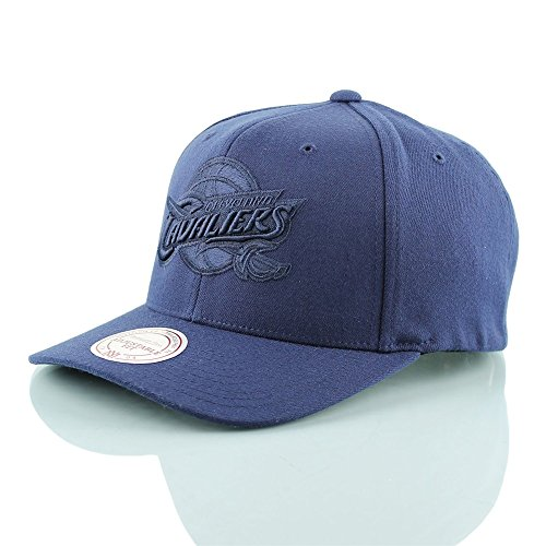 Mitchell & Ness 110 Curved Snapback NBA Cleveland Cavaliers , navy
