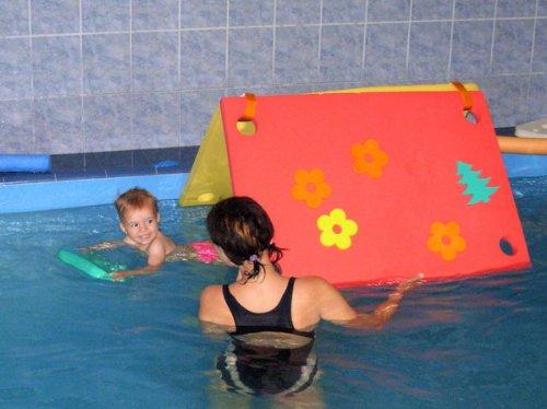 Schwimminsel mit 4 Löchern Größe 950 x 700 x 38 mm Blau Badespielzeug Schwimmlernhilfe NEU&Originalverpackt