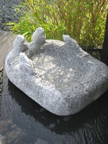 Natursteinzentrum Rhein Main Vogeltränke aus Granit, mit 4 Vögeln, handgearbeitet aus einem Stück (ca. 36 cm)