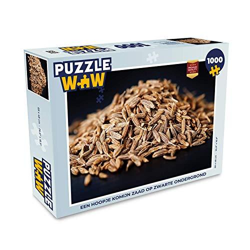 Puzzel 1000 stukjes volwassenen Komijn 1000 stukjes - Een hoopje komijn zaad op zwarte ondergrond - PuzzleWow heeft +100000 puzzels - legpuzzel voor volwassenen - Jigsaw puzzel 68x48 cm