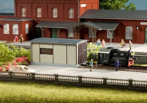 Auhagen 11429 Shed for Oil Driven Locomotives Modelling Kit (Small)