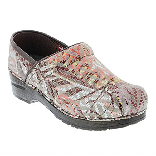 Sanita Women's Professional Tangle Clogs