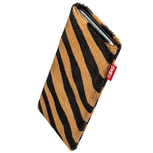 fitBAG Bonga Tiger Handytasche Tasche aus Fellimitat mit Microfaserinnenfutter für Carbon 1 MKII | Hülle mit Reinigungsfunktion | Made in Germany