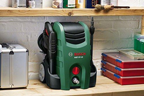 Idropulitrice AQT 37-13+ Bosch con pistola ad alta pressione, lancia, spazzola per patio, filtro per l'acqua, spazzolone, ugello, tubo flessibile da 6 m, cavo di alimentazione da 5 m, confezione in cartone (1700 Watt, portata max.: 370 l/h)