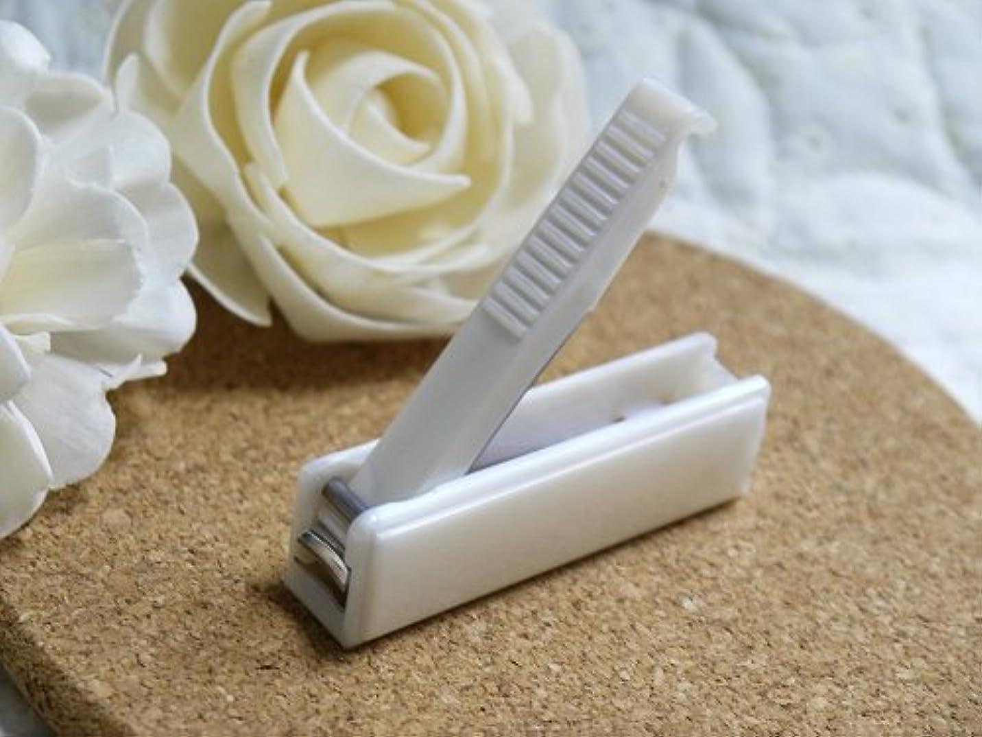 退化する旋回ジョブJOKER 爪切り レトロな箱型爪切り バラの模様入り (白)