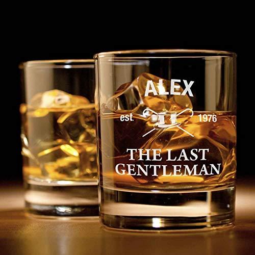 Smyla Whiskyglas mit Gravur (The Last Gentleman) | Whiskey-Glas mit massivem Boden personalisierbar mit Namen und Datum | Individuelle Geschenkidee für wahre Geniesser