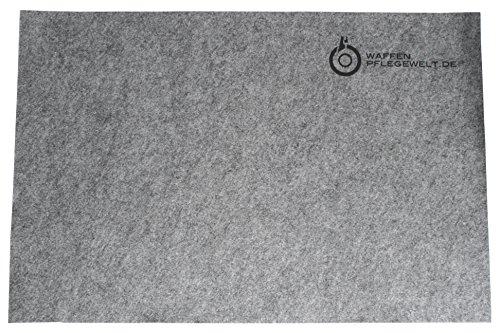La base grigia è realizzata in un morbido feltro speciale resistente all'abrasione, con rivestimento antiscivolo.Il morbido feltro è assorbente e garantisce che il grasso delle armi, i detergenti (gli sgrassatori e i detergenti specifici) e altri liq...