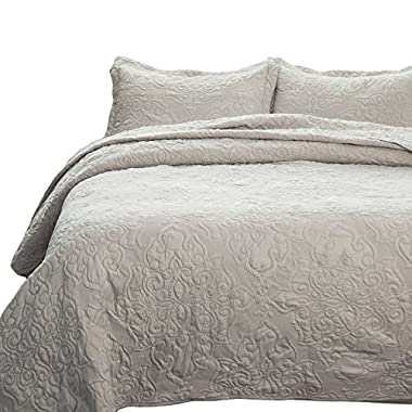 Bedsure Comfy Bedding Set Quilt Embroidered Full/Queen Quilt Set 90 x96  Damask Pattern 3-Piece Bedspread Lightweight Microfiber
