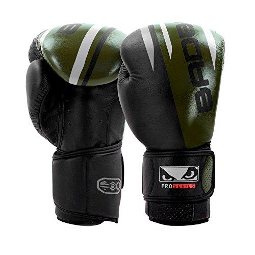 Bad Boy Erwachsene Pro Series Advanced Thai-Boxhandschuhe, Schwarz/Grün, 16oz