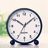 4 Pulgadas Despertador Analogico Silencioso, Despertador Sin Tictaccon Luz Pequeño, Función Snooze, Despertador en Voz Alta Mesilla de Noche para Dormitorio Oficina(Blanco y Negro al Azar )