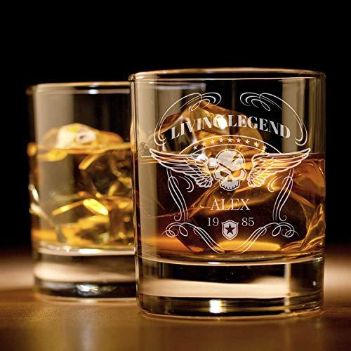 Smyla Whiskyglas mit Gravur (Totenkopf) | Whiskey-Glas mit massivem Boden personalisierbar mit Namen und Datum | Geschenkidee für wahre Geniesser