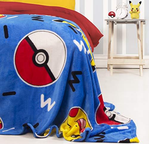 Character World Offizieller Pokemon Memphis Fleece-Überwurf, Pikachu-Design, super weich, perfekt für jedes Schlafzimmer, Blau, 100 x 150 cm