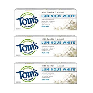 NATURAL CAVITY PROTECTION: Contains 6 - 4.7-ounce tubes of Tom's of Maine Luminous White whitening toothpaste in Clean Mint flavor. Help prevent cavities with Toms natural toothpaste. FREE FROM ARTIFICIAL SWEETENERS: Toms toothpaste is proud to be de...