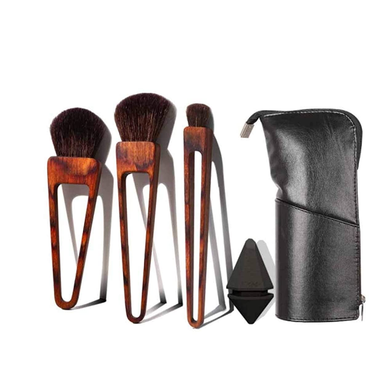 フィドル被る局Gaoxingbianlidian001 メイクブラシ、トライアングルブラシメイク、動物の毛のブラシヘッド、3つのメイクブラシセット(ブラックビューティーエッグとメイクブラシバッグを送信,便利な化粧 (Color : Brown)