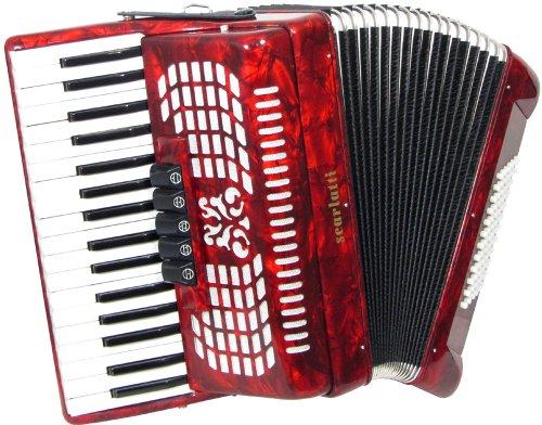 4. Acordeón Scarlatti | Elegancia y clase con su llamativo color rojo.