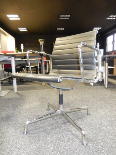 Vitra aluminium Chair EA 108, draaibaar, leer, aluminium, chroom