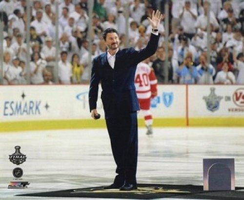 The Poster Corp Mario Lemieux Feierliche Puck Drop Game Drei der 2009 NHL Stanley Cup Finals (# 25) Photo Print (25,40 x 20,32 cm)