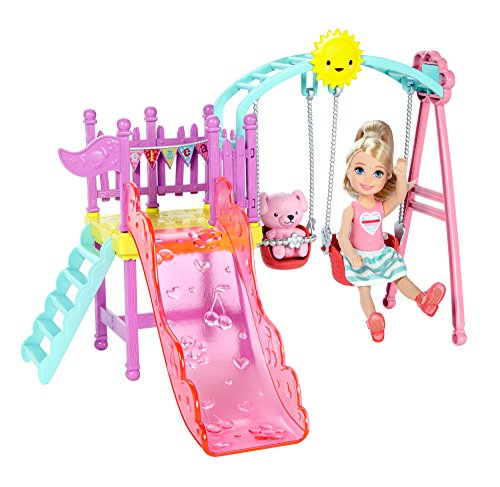 Mattel Barbie DWJ46 - Chelsea e kit altalene