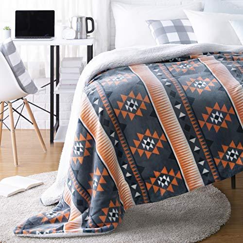 AmazonBasics Ultra-Soft Micromink Sherpa College Dorm Blanket - Twin, Spa Blue Aztec Stripe